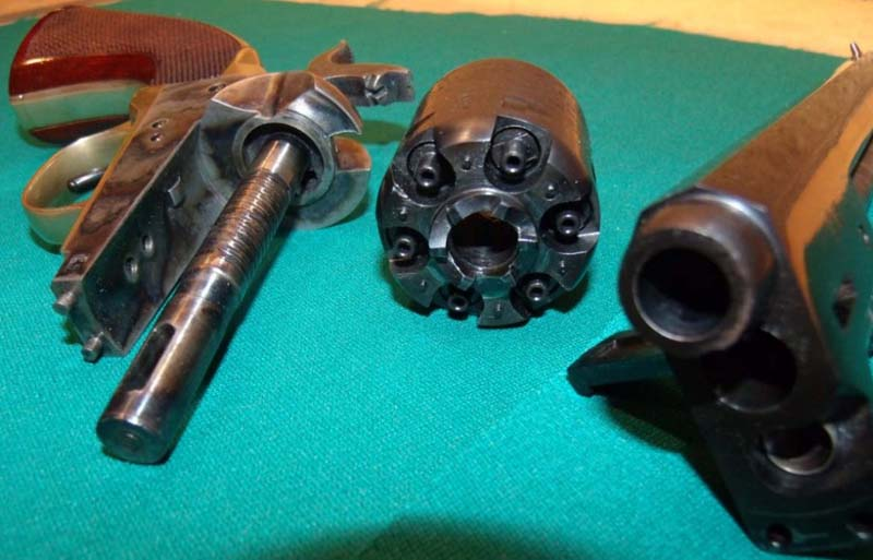 Réplique Colt 1851 NAVY PEDERSOLI Calibre 36 KFlrZVkmFV8_Annonce-PAAF2-Colt-1851-NAVY-PEDERSOLI-12-800x513