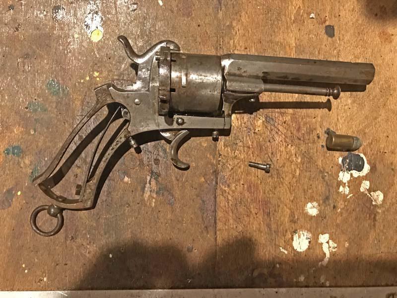 Restauration Revolver à Broche 9,70 mm Lefaucheux KIfmYdbpvn3_Restauration-Revolver-Lefaucheux-2-800x600