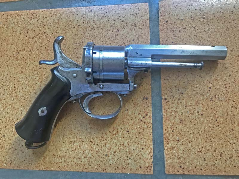 Restauration Revolver à Broche 9,70 mm Lefaucheux KIgjFkQ08Z3_Revolver-Lefaucheux-fin-remise-en-%C3%A9tat-5-800x600