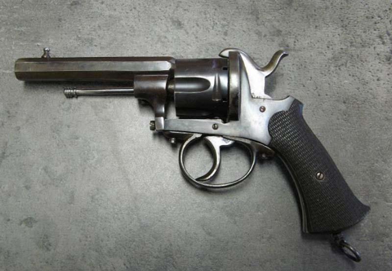 Restauration Revolver à Broche 9,70 mm Lefaucheux KIhn0bSTRD3_Confection-Guidon-mod%C3%A8le-1-800x554